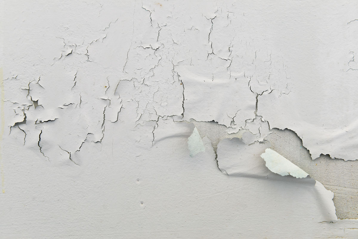 paint-peeling-and-cracking